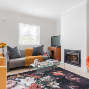 209 de Waterkant Piazza - Lounge with fireplace