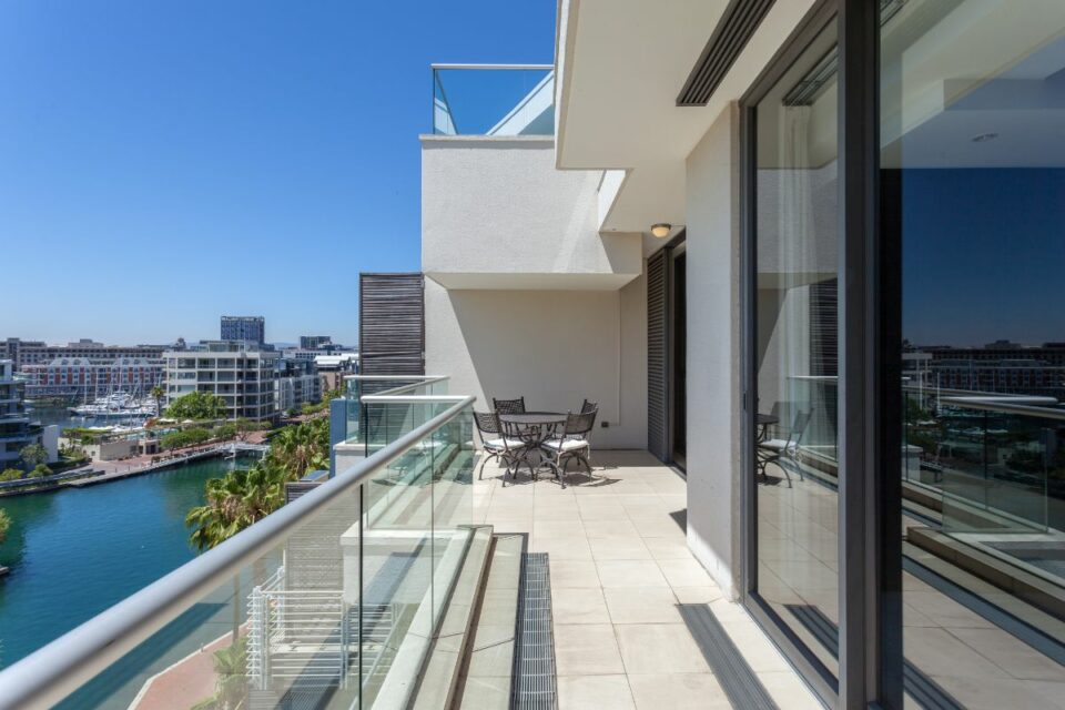 Juliette 606 - Large Balcony with Views