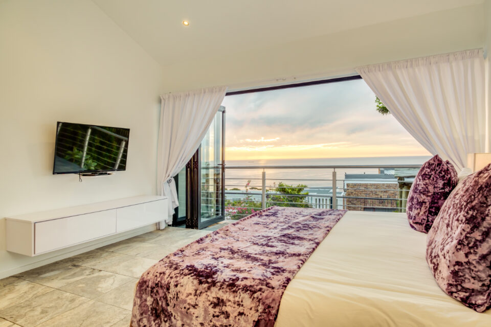 Sunset Views - Fourth bedroom